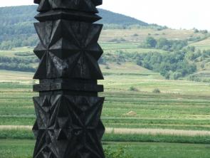 Kopjafa a zetelaki temetőben
