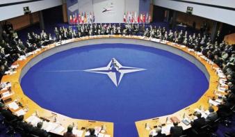 A NATO szerint Oroszország irányítja az ukrán zendülőket