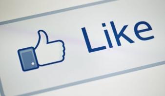 Öncenzúrára késztet a Facebook és a Twitter