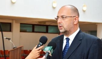 Basescu felmentette kormányzati tisztségéből Kelemen Hunort