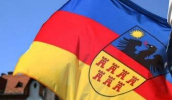 Mióta tiltott Romániában Erdély zászlója?