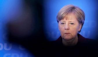 Összeomlott Merkel tervezett koalíciója