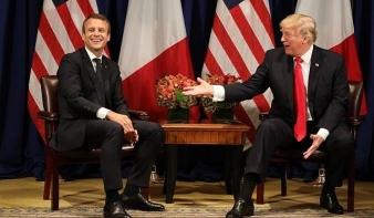 Díszvacsorával fogadta Donald Trump Franciaország elnökét Washingtonban