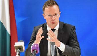 Szijjártó: Adjon több tiszteletet a magyaroknak Románia elnöke!