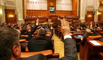 Leszavazta a parlament az anyanyelvhasználati törvény megerősítését