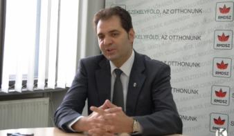 """Antal Árpád: Románia államformája az """"alkotmányos káosz"""""""