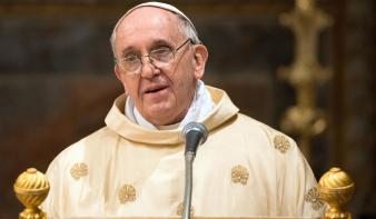 Ferenc pápa előjegyeztette magát a koronavírus elleni oltásra