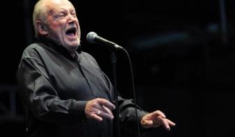 Elhunyt Joe Cocker énekes
