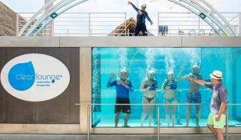 Megnyílt a világ első víz alatti oxigénbárja