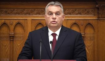 Orbán Viktor: Magyarország lezárja határait