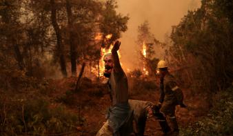 Görögország soha nem látott méretű katasztrófával néz szembe