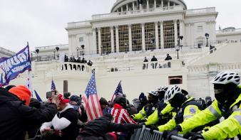 A Pentagon három nappal az ostrom előtt segítséget ajánlott fel a Capitolium őrségének