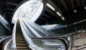 Indul Budapesten a 4-es metró