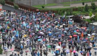 Hargita megye prefektusának lemondását követelték Csíkszeredában a tüntetők