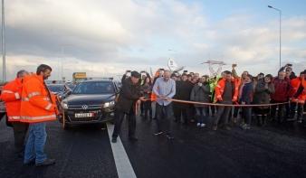 Átadták az észak-erdélyi autópálya Radnót és Nyárádtő közötti szakaszát