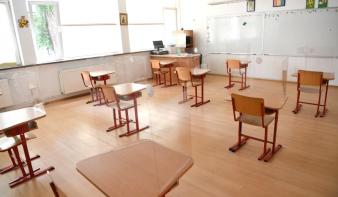 Az iskolák megnyitásáról szóló döntést települési szinten hozzák meg, kötelező lesz a maszkviselés