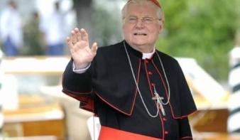 Ferenc pápa állítólag nem tervezi a papi cölibátus eltörlését