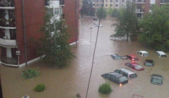 Több mint 40 halálos áldozata van az áradásoknak a Nyugat-Balkánon