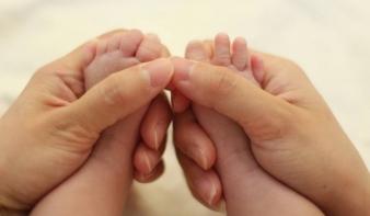 Elindult a határon túli családokat támogató Köldökzsinór program