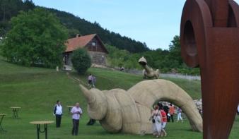 Megnyílt az Arkhai szoborpark Kolozsvár mellett