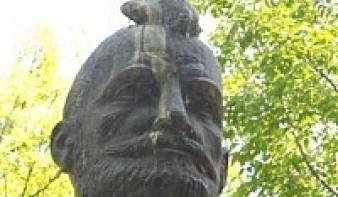 Meggyalázták Bethlen Gábor nagyváradi szobrát