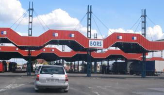 Szerda reggeltől nem kell karanténba vonulni a magyar-román határ átlépése után