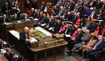 A brit parlament elfogadta a brexit-törvényt