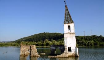 Adománygyűjtést szerveznek a bözödújfalusi római katolikus templom újjáépítésére