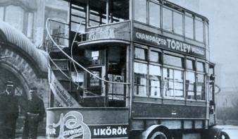 Száz éve indult az első buszjárat Budapesten