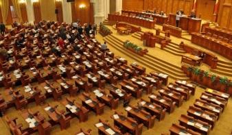 Megszavazták a 19 százalékos áfát tartalmazó adótörvényt
