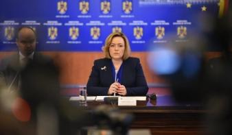 Úzvölgyi temetődúlás: a magyar ultrákat vizionáló belügyminiszter szerint senki nem sérült meg, a csendőrök példásan jártak el
