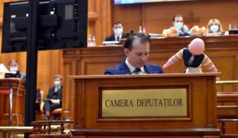 """""""Bábszínházzá"""" alacsonyították az ellenzéki PSD honatyái a költségvetés parlamenti vitáját"""
