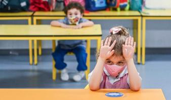 Ha a szülők nem engedélyezik a tesztelést, a tünetekkel rendelkező tanulók 14 napig nem mehetnek iskolába