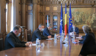Iohannis: a hadsereg fogja biztosítani a vakcina sajátos körülmények közötti tárolását