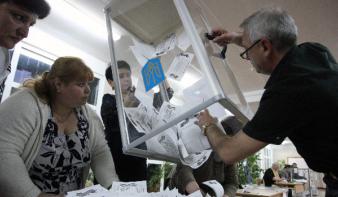 Donyeckben a résztvevők 90 százaléka a függetlenségre szavazott