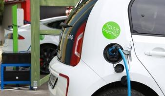 Ingyen tölthetők fel az elektromos autók Kolozsváron