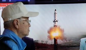 Észak-Korea új típusú ballisztikus rakétát próbált ki