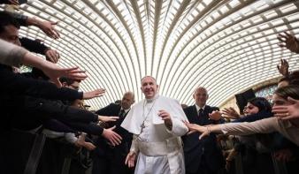 """""""Minden ember bűnös, még a pápák is"""" – Ferenc pápa őszinte kötettel jelentkezik"""