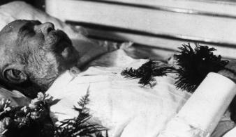100 éve halt meg Ferenc József