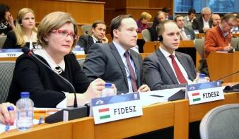 Gál Kinga: A Fidesz néppárti frakciója elutasítja a humanitárius vízumok bevezetését