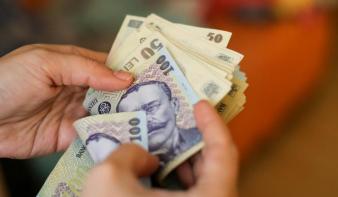 Bár törvény van róla, a kormány nem duplázza meg a gyermekpénzt