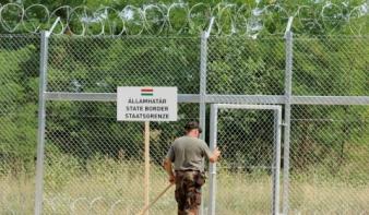 Munkanélkülieket hívtak be a határzár megépítésére
