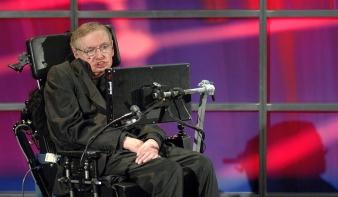 Az orvosok nem tudtak, a mérnökök segítettek Hawkingon