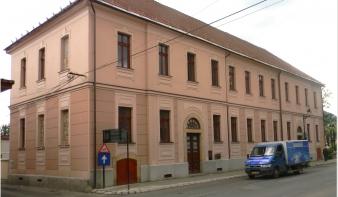 Magyar tannyelvű óvoda és elemi osztályok a Németh László Líceum Híd utcai épületében