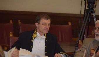 A Román Akadémia elnöke tagadja, hogy együttműködési megállapodást írt alá a Szekuritátéval