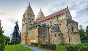 800 éves a Jáki bazilika, Magyarország leghíresebb román kori temploma