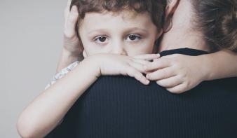 Koronavírus: nem jó a gyereknek, ha bepánikolt felnőtteket lát maga körül