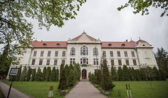 Újabb támadás iskolaügyben: visszaállamosítanák az egyházi ingatlant