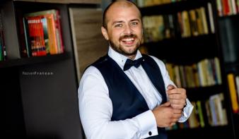 Szórványból a parlamentbe: az üzleti szférából érkezik a Krassó-Szörény megyében mandátumot nyert Kelemen Attila