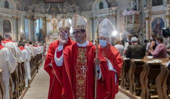 """""""Hála és öröm a szívemben"""" – segédpüspökké szentelték Csíksomlyón Kerekes Lászlót"""